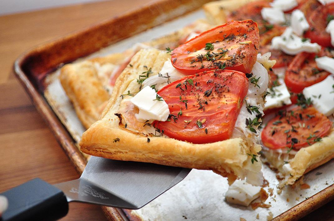 Пицца слоеная рецепт